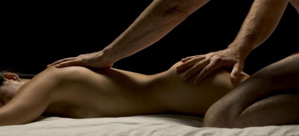 Man geeft gratis massage aan vrouw Amsterdam