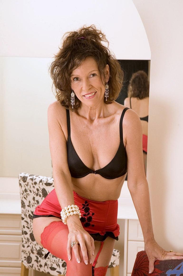 63jarige vrouw zoekt sexcontact - Afbeelding2