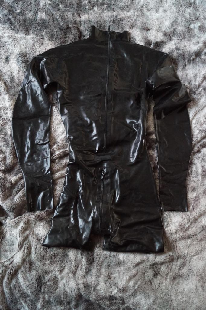 Latex kleding op maat gemaakt